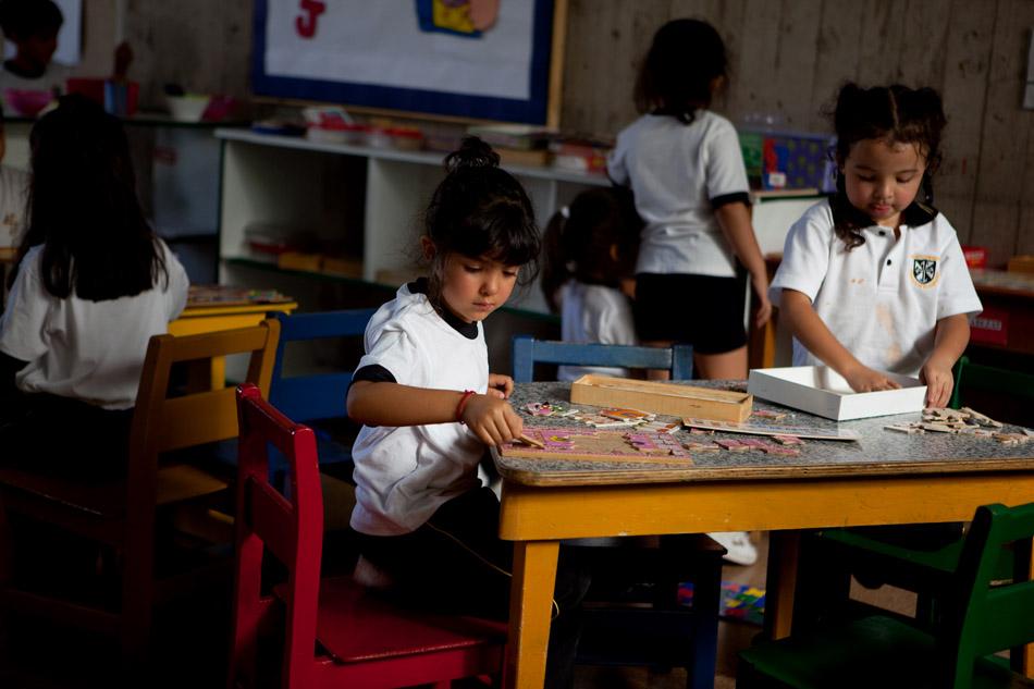 estudiantes en Santiago despues el terremoto